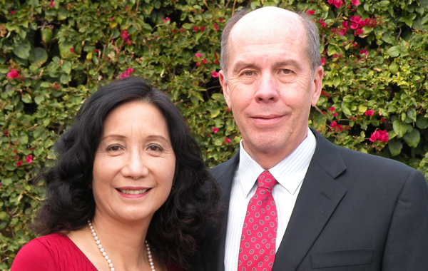 Hank (Henry) Blauvelt (PhD '83 Applied Physics) and his wife Caroline